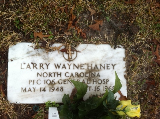 Larry Haney tombstone
